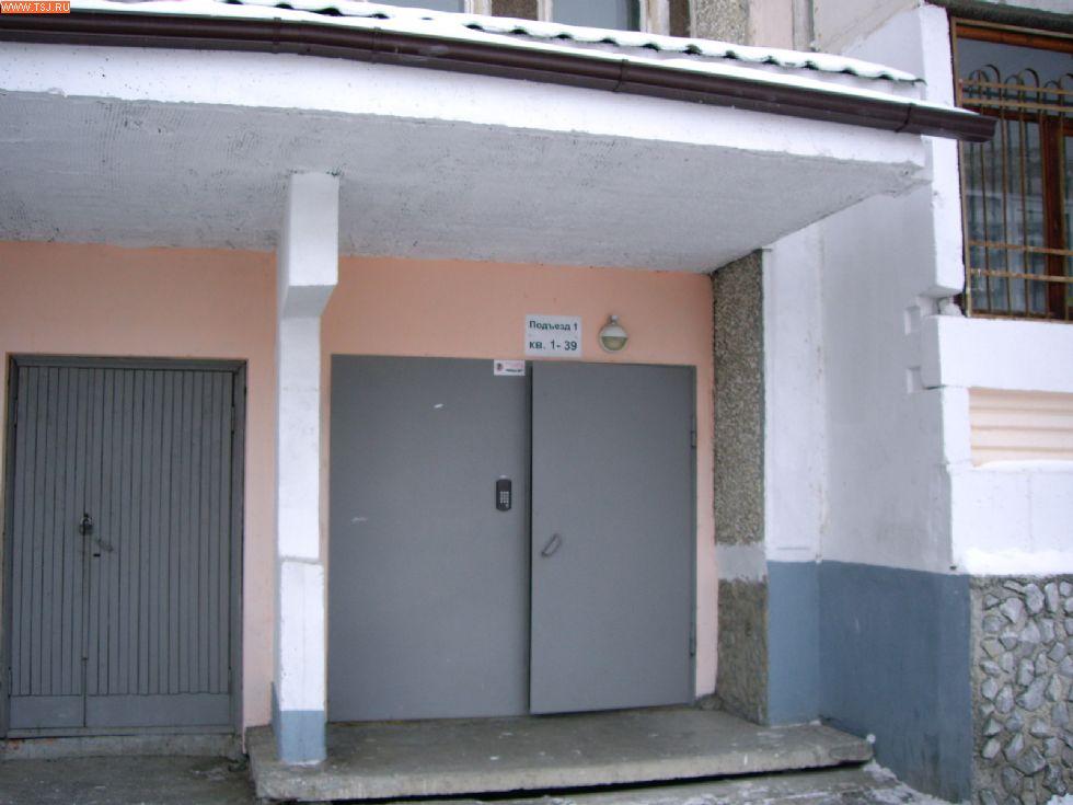 железные двери для многоквартирных подъездов