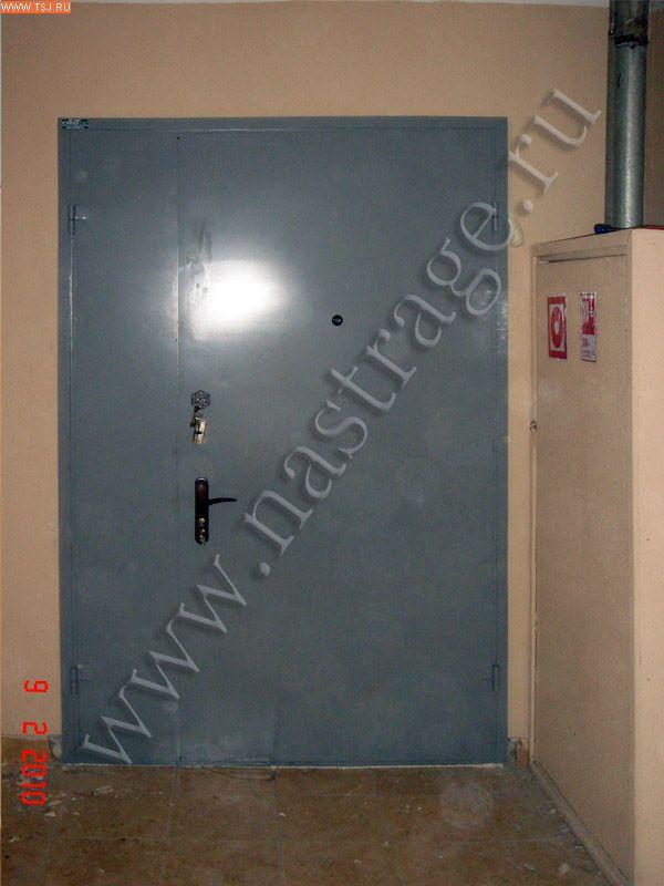 двери входные металлические общую перед лифтом